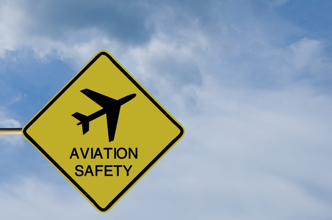 Sign with a picture of an aircraft and the words